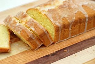 Mama Celia's Lemon Cake