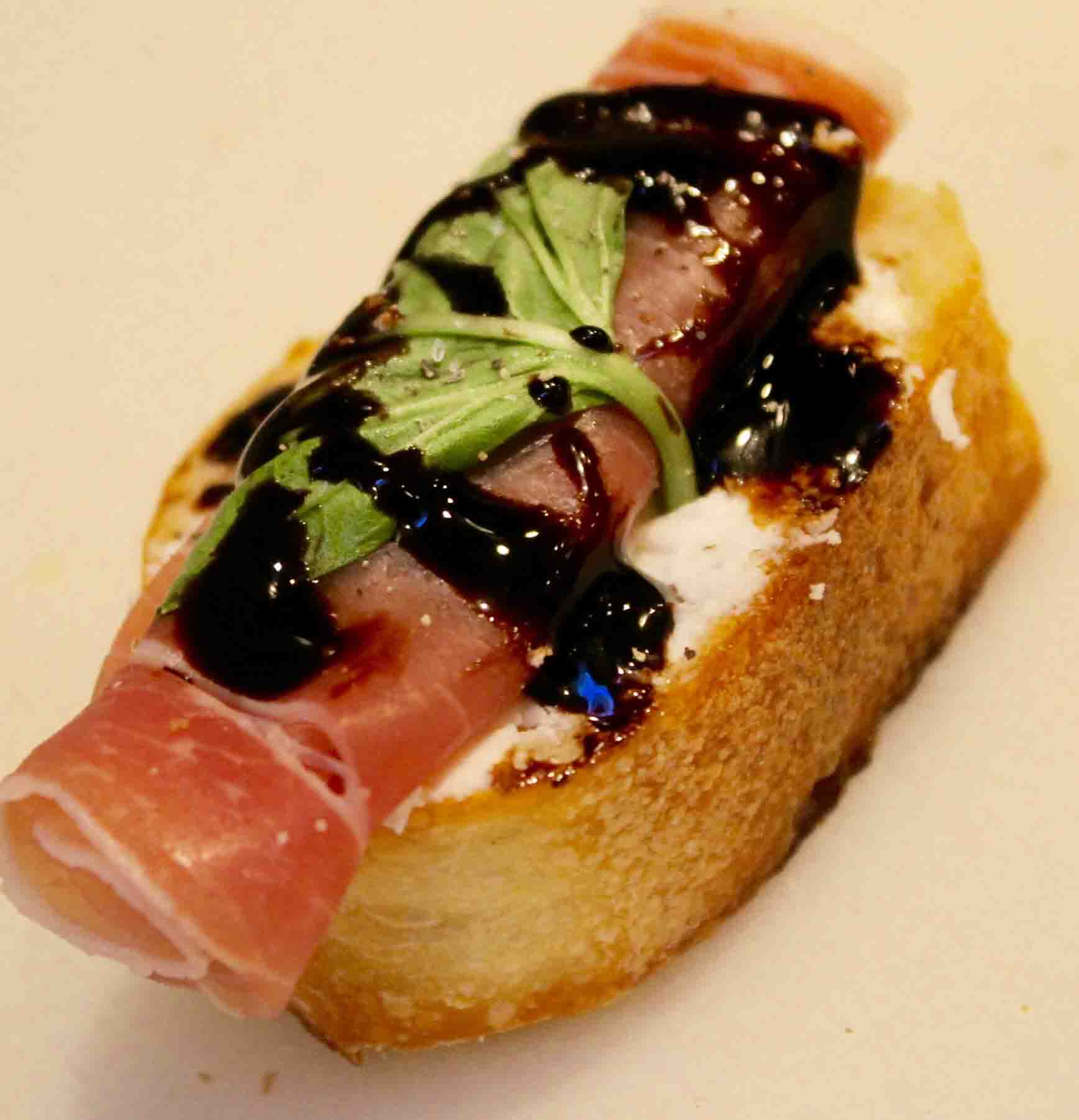 Tom's Prosciutto and Goat Cheese Crostini