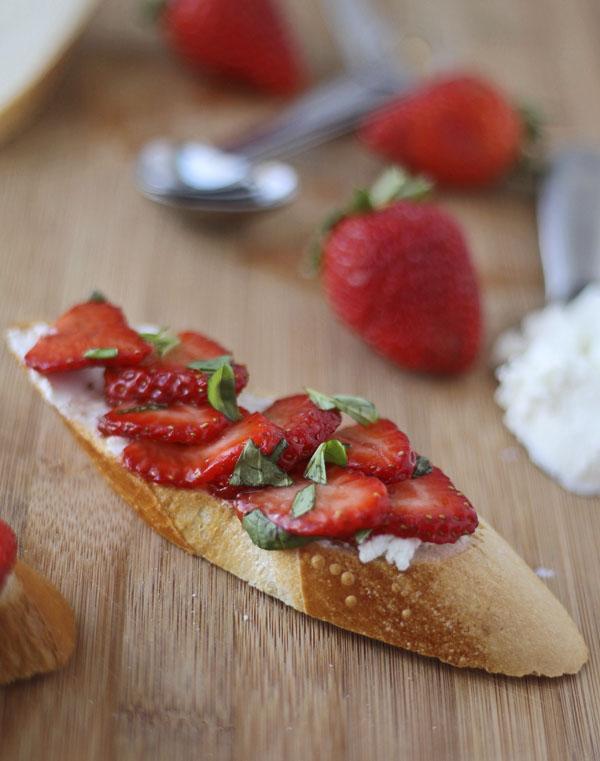 Tom's Balsamic Strawberries & Goat Cheese Crostini